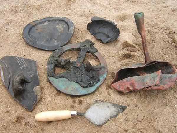 Четки, золото и мореходные инструменты