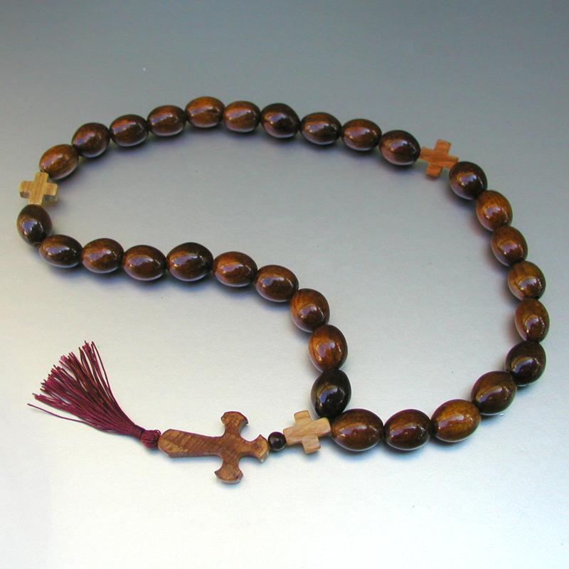 Купить деревянные христианские четки стойкости ручной работы из  сливового дерева в интернет-магазине Chetki24.ru
