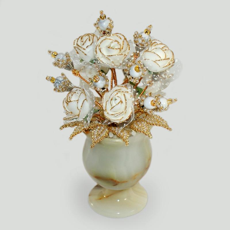 Цветы из кахолонга (молочного опала) Олелия